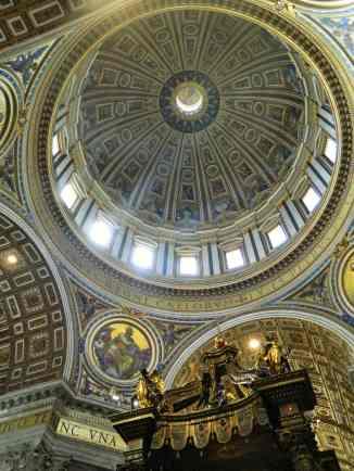 St Peter's Basilica 4-min