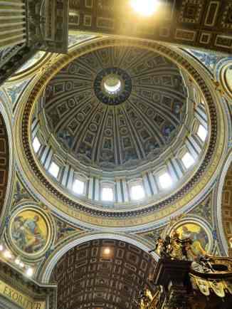 St Peter's Basilica 6-min