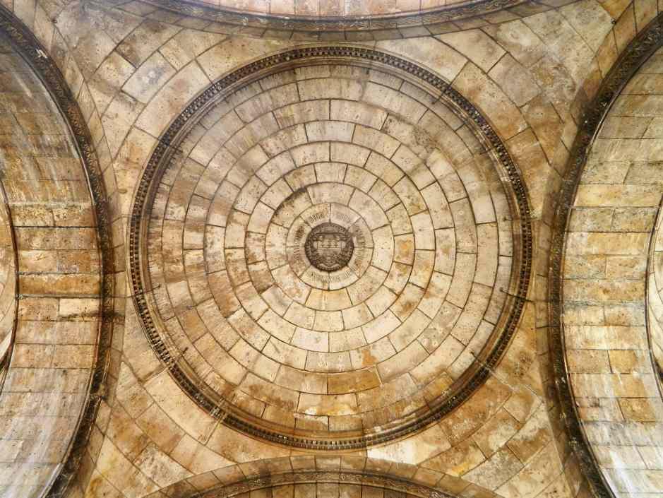 Sacre Coeur Architecture 1-min